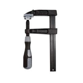 Presse à manche Nylon Tige acier saillie 90 section 22x5 serrage 200